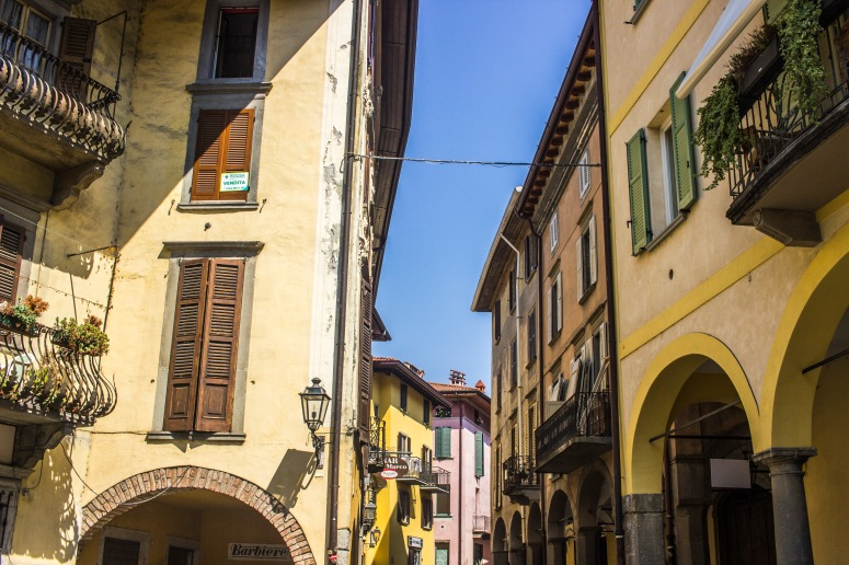 Lake Iseo - a street in Pisogne